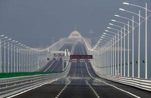 L'autoroute sur la mer relie Hong Kong à Macao