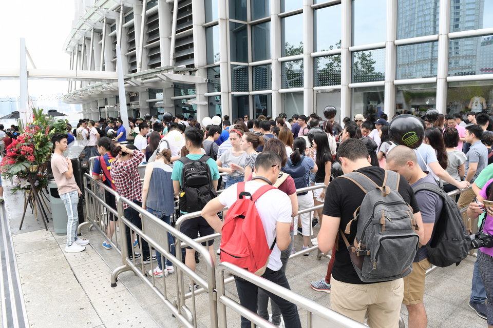 queue shake shack IFC