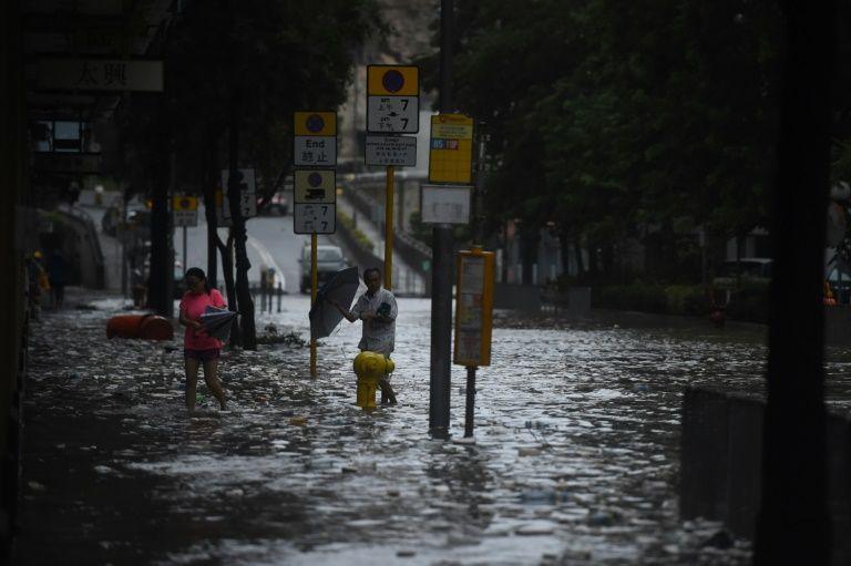 arret de bus inondation hong kong