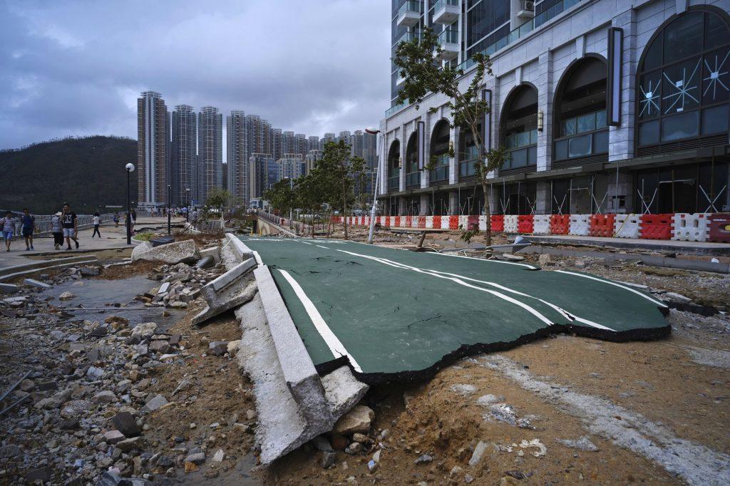Route détruite par le typhon Hong Kong