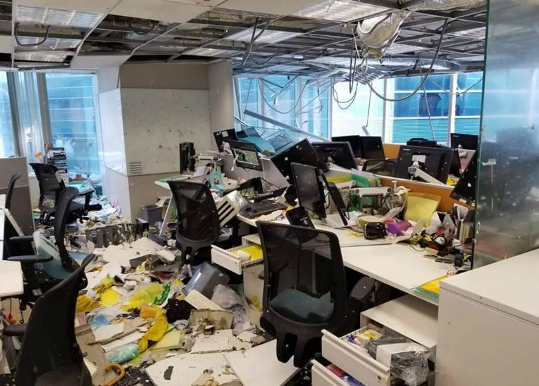 bureau détruit a Hong Kong