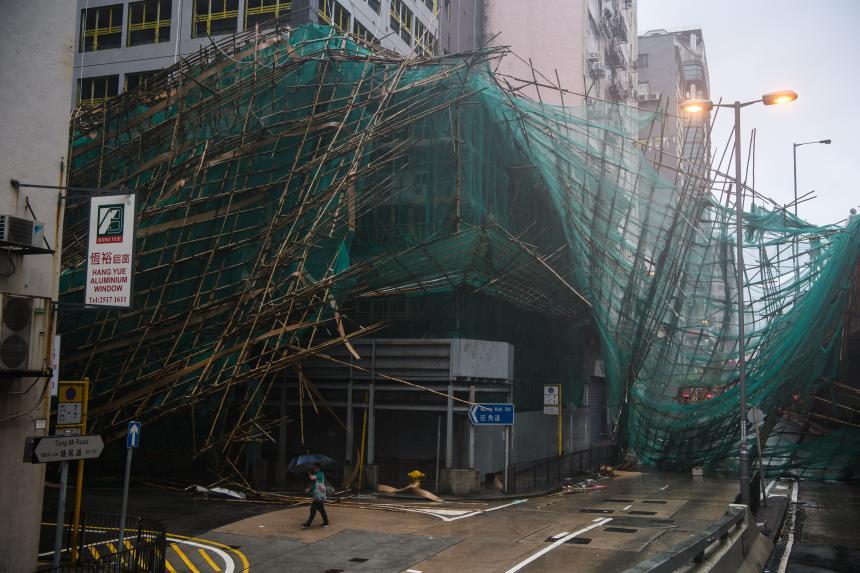 échafaudages de bambou détruits Hong Kong