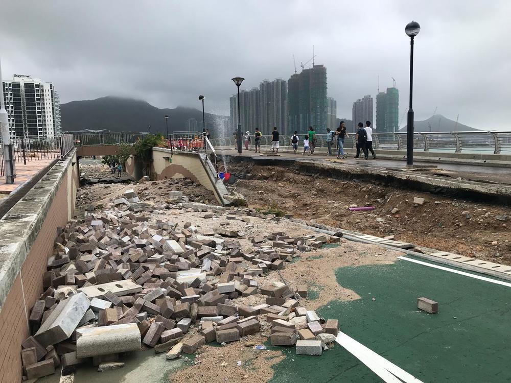 Route détruite à Hong Kong
