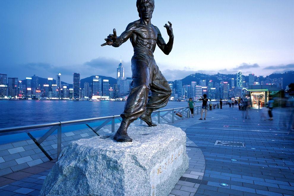 statue de bruce lee hong kong