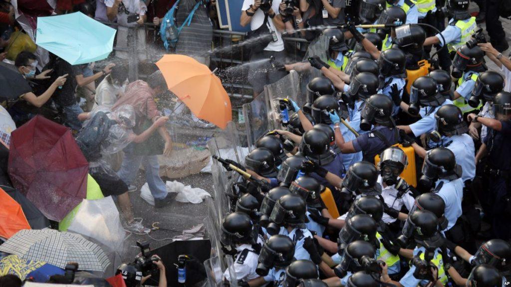 gaz lacrymogène parapluies Hong Kong