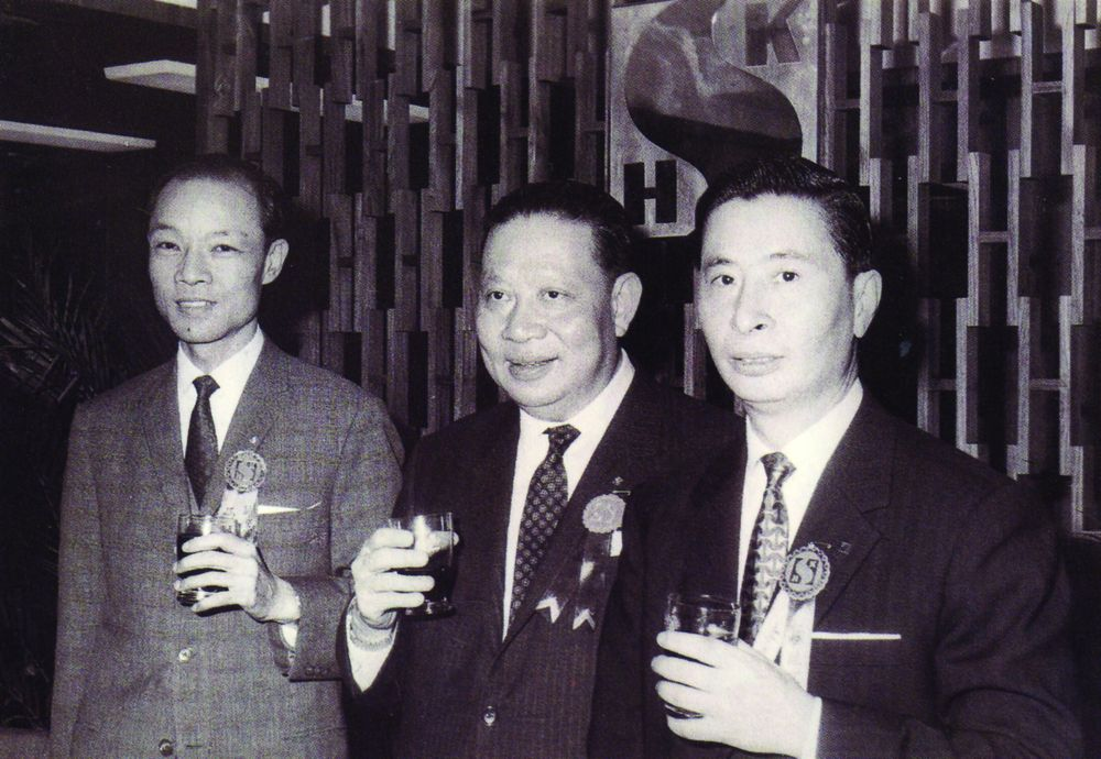 Fung King-hey, Kwok Tak-seng et Lee Shau Kee