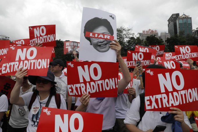 manifestants loi extradition